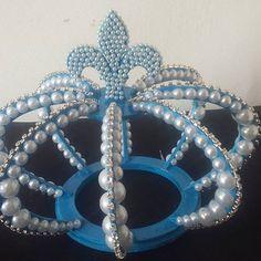 A pedidos, Topo de Bolo de coroa Azul. Exclusivo Ateliê D'Luxo. #topodebolo #coroa3d #coroa #ateliê #ateliedluxodifusora #ateliedluxo #aniversario #festas #principe