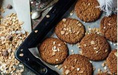 Φτιάξτε μπισκότα χωρίς ζάχαρη με γιαούρτι και βρώμη - Με Υγεία Almond Cookies, Oatmeal Cookies, Sesame Cookies, Banana Madura, Sugar Free Desserts, Food Decoration, Healthy Cookies, Snacks, Omega 3