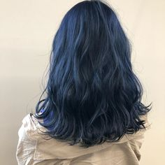 Siyah Shopping for What You Must Rework Your Kitchen Have you ever lately determined to rework your Hair Color Streaks, Hair Color Purple, Dark Blue Hair, Hair Dye Colors, Short Blue Hair, Dyed Hair Blue, Hair Inspo, Hair Inspiration, Dye My Hair