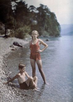 Eva And Heinz On The Shore Of Lake Lucerne, Switzerland, C. 1927 by Friedrich Adolf Paneth Vintage Pictures, Old Pictures, Vintage Images, Old Photos, Color Photography, Amazing Photography, Nature Photography, Photography Studios, Photography Lighting