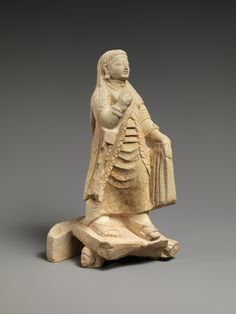 Limestone figure of a woman | Cypriot | Archaic | The Metropolitan Museum of Art