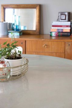DIY concrete dining table Concrete Dining Table, Diy Concrete, Lifestyle Blog, Entryway Tables, Diy Ideas, Furniture, Home Decor, Decoration Home, Room Decor