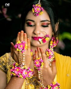 20 Unique & Stunning Floral Nath Designs To Wear For Your Wedding! Indian Wedding Couple Photography, Bridal Photography, Flower Jewellery For Haldi, Flower Jewelry, Bridal Jewelry, Indian Bridal Photos, Red Rose Wedding, Haldi Ceremony, Bridal Makeup Looks