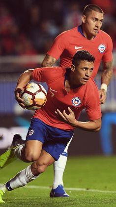 Alexis Sanchez!⚽❤ #Chile Alexis Sanchez, Paul Pogba, International Football, Eden Hazard, Gareth Bale, Lionel Messi, David Beckham, Cristiano Ronaldo, Chile