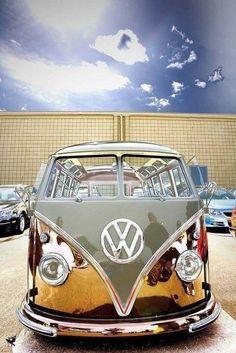 VW Komi ! OH MY........ IT'S SOOOOO  CLEAN AND REFECTANT :)