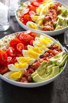 California Cobb Salad California cobb salad is a delicious healthy choice for either lunch or dinner. Salad Recipes Video, Healthy Salad Recipes, Diet Recipes, Cooking Recipes, Recipes Dinner, Chef Salad Recipes, Healthy Snacks, Great Appetizers, Dinner Salads