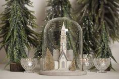 Nydelig juledekorasjon i glass og kunstmateriale, -vakre detaljer! Begrenset antall! Høyde ca 18cm
