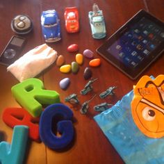 What's in the Bag?: Kids Plane Travel Activities on urbanmommies.com