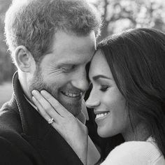 Prince Harry's future wife makes a sartorial splash in their formal pictures as a couple Prince Harry Et Meghan, Princess Meghan, Engagement Photo Poses, Engagement Shoots, Megan Good, Harry And Meghan Wedding, Royal Family Pictures, Photoshoot Themes, Couple Photography Poses