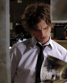 Find images and videos about gif, criminal minds and matthew gray gubler on We Heart It - the app to get lost in what you love. Dr Spencer Reid, Dr Reid, Spencer Reid Criminal Minds, Criminal Minds Cast, Criminal Minds Fanfiction, Matthew Gray Gubler, Matthew Grey, Aaron Hotchner, Crimal Minds