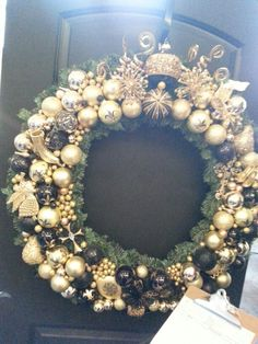 Pretty hold and black wreath!!