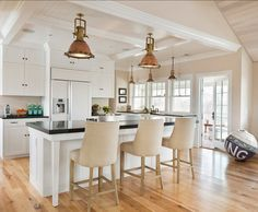 Weekapaug - traditional - kitchen - providence - by Kate Jackson Design Kate Jackson, Nautical Dining Rooms, Kitchen Island Dimensions, Cottages By The Sea, Home Interior, Interior Design, Coastal Interior, Coastal Furniture, Kitchen Remodeling