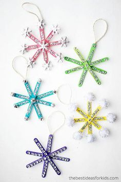 Christmas Crafts For Kids Snowflake Ornaments # weihnachten basteln für kinder schneeflocke ornamente # # artisanat de noël pour les ornements de flocon de neige pour enfants # manualidades navideñas para niños adornos de copo de nieve Kids Christmas Ornaments, Easy Christmas Crafts, Snowflake Ornaments, Easy Ornaments, Christmas Trees, Snowflake Craft, Homemade Christmas, Popsicle Stick Christmas Crafts, Christmas Crafts For Kids To Make At School