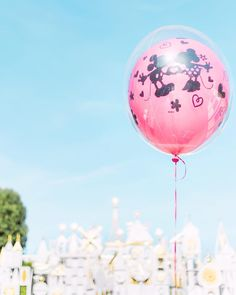 Always choose love . Disney Love, Disney Magic, Magic Kingdom Orlando, Disneyland, Alice In Wonderland Pictures, Disney Balloons, Tokyo Disney Sea, Adventures By Disney, Walt Disney Studios