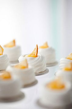 Meringues with citrus curd.