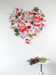 Décoration Saint Valentin DIY romantique – parer les murs de fleurs fraîches