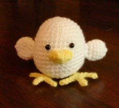 Cute little chick with basic shaping, great for a beginner in amigurumi. (Weight Cat:3, dk/light worsted)
