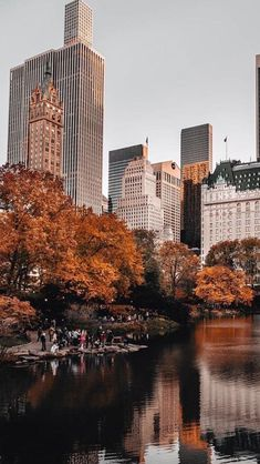 travel idea in new york End of autumn autumninnewyork city citytrip travel adventure exploring seasons building sightseeing photography fall autumn 843087992729296727 Photographie New York, Travel Photographie, City Aesthetic, Travel Aesthetic, Building Aesthetic, Adventure Aesthetic, Aesthetic Vintage, Aesthetic Girl, Autumn Photography