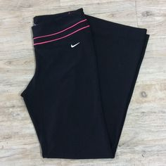 "⚠️ NIKE Dri Fit Yoga Pants Perfect to do yoga in or go on a long hike in! Inseam of 31"" Nike Pants"