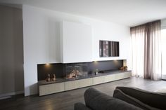 Foto Living Room Decor Fireplace, Fireplace Seating, Ikea Living Room, Home Fireplace, Modern Fireplace, Living Room Flooring, Fireplace Design, Feature Wall Living Room, Muebles Living