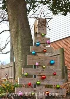 79798224619103313 l73Pkxg2 c Pallet christmas tree in pallet outdoor project  with Tree Pallets Christmas