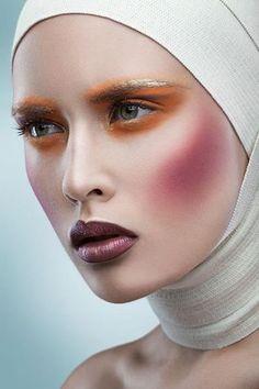 20 Stunning Beauty Art Make Up Ideas For Women Face - Make Up Looks, Hd Make Up, Portrait Retouch, Beauty Portrait, Unique Makeup, Colorful Makeup, Colorful Hair, Beauty Shoot, Beauty Art