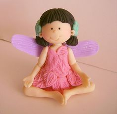 Polymer Clay Fairy, Polymer Clay Figures, Polymer Clay Projects, Clay Crafts, Clay Fairies, Flower Fairies, Biscuit, Fondant Animals, How To Make Clay