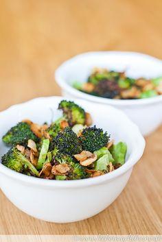 Gerösteter Brokkoli mit frittiertem Knoblauch