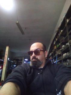 Apostolis Fakinos   LinkedIn Pilot, Mens Sunglasses, Pilots, Men's Sunglasses