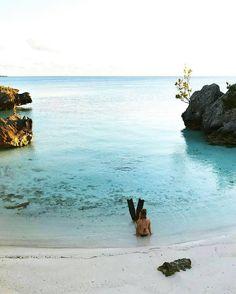 How to catch a mermaid. :@iameaj #lifeincolor . . . . . . . #justgoshoot #hello_worldpics #nature_perfection #awesome_earthpix #YesBermuda #bermuda #wearebermuda #GoToBermuda #passionpassport #bermudadreaming #ahhbermuda #mermaid #mermaidlife #mermaidmentality #blue #island #paradise #ilivewhereyouvacation #thosefinsthough
