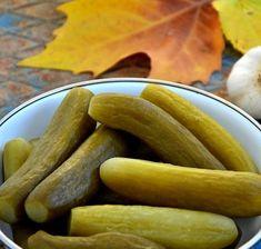 Erimeyen Sert Salatalık Turşusu Tarifi - Zeymuran Cafee Yemek Tarifleri Up Halloween, Sausage, Yummy Food, Plates, Tricks, Ankara, Vinegar, Licence Plates, Dishes