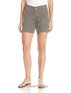 LEE Womens Plus Size Midrise Fit Essential Chino Short Palm Leaf ** Details can be found by clicking on the image. (This is an affiliate link) Chino Shorts, Women's Shorts, What Makes You Unique, Shorts Outfits Women, Short Blonde, Short Hairstyles For Women, Patterned Shorts, Blue Stripes, Casual Shorts