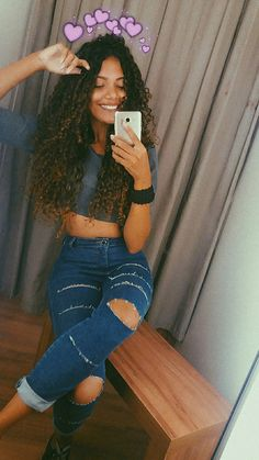 Clothes in 2019 Curly Hair Styles, Natural Hair Styles, Instagram And Snapchat, Photos Tumblr, Selfies, Pinterest Photos, Curly Girl, Hair Journey, Tumblr Girls