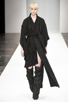 Barbara í Gongini Copenhagen Fall 2016 Fashion Show Fall Fashion 2016, Fashion Show, Seoul, Power Dressing, Androgynous Fashion, Fall 2016, Wearing Black, Copenhagen, Berlin