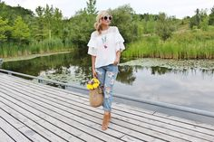 Bijuleni- Style Guide How to Look Good in Boyfriend Jeans. Distressed One Teaspoon jeans,white bell sleeve top and  peep toe booties.