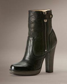 Women's Donna Snap Short Boot - Black