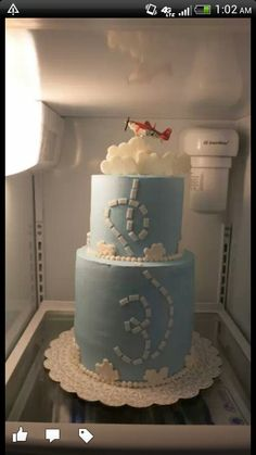 Disney Planes cake - For all your cake decorating supplies, please visit craftcompany.co.uk