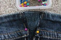 Con el invierno llegan las ganas de dulces y guisos.. y se resiente en la cintura! Con este tutorial vas a poder ampliar tus jeans unos...