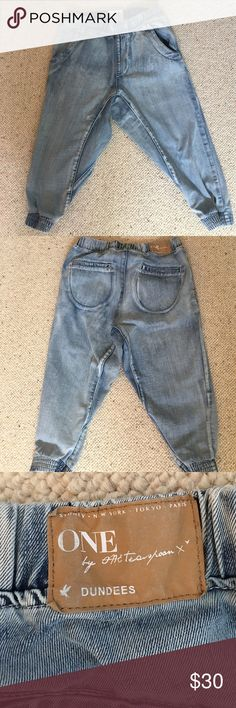 One teaspoon denim dundees Faded one teaspoon Dundee jeans. Wide elastic comfy waistband. Cropped and cinched. Back pockets. One Teaspoon Jeans Ankle & Cropped