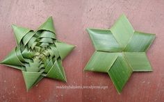 How to Fold a Coconut Leaf Star - Video Tutorial Flax Weaving, Weaving Art, Basket Weaving, Leaf Crafts, Diy And Crafts, Paper Crafts, Flax Flowers, Paper Flowers, Coconut Leaves