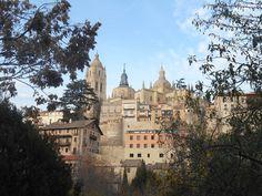 La Catedral desde el terraplen del Rio Clamores