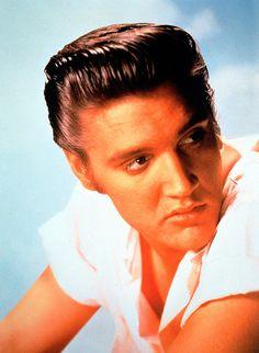El rey del Rock and Roll, Elvis Presley, en 1950