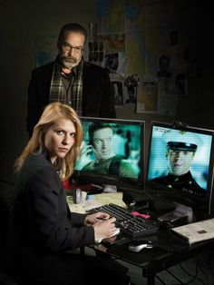 Homeland (Showtime) Claire Danes and Mandy Patinkin. What direction will the show take this season with Brody dead? Claire Danes, Newest Tv Shows, Favorite Tv Shows, Homeland Tv Series, Spy Tv Series, Showtime Tv, Carrie Mathison, Spy Shows, Homeland Season