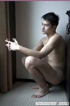 handsome-asia-naked