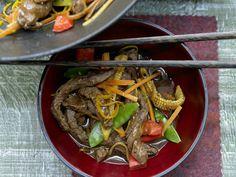 Rindfleisch aus dem Wok - mit Gemüse und Orange - smarter - Kalorien: 418 Kcal - Zeit: 40 Min. | eatsmarter.de