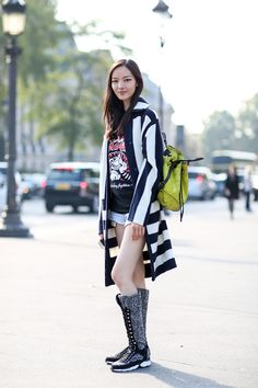 80 French Style Lessons To Learn Now #refinery29  http://www.refinery29.com/2014/10/75565/paris-street-style-photos-fashion-week-2014#slide66  Do: Chanel Beetlejuice.
