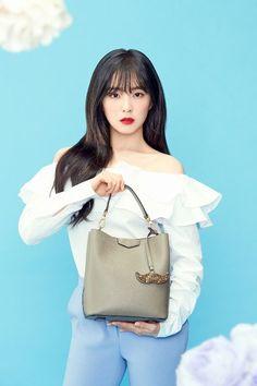 Red Velvet Irene Is A Beautiful Hazzys Accessories Model! Red Velvet アイリン, Red Velvet Irene, Kpop Girl Groups, Korean Girl Groups, Kpop Girls, Seulgi, Red Velvet Photoshoot, Red Valvet, Redvelvet Kpop