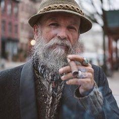 Men Smoking, Cigar Smoking, Bearded Men, Cigars, Rings, Men Beard, Ring, Cigar, Jewelry Rings