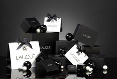 LALIQUE - Holiday Gift Wrapping