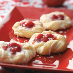 Overnight Cherry Danish Recipe - good for brunch Just Desserts, Delicious Desserts, Dessert Recipes, Yummy Food, Mini Desserts, Cherry Danish Recipe, Danish Food, Danish Dessert, Danish Pastries